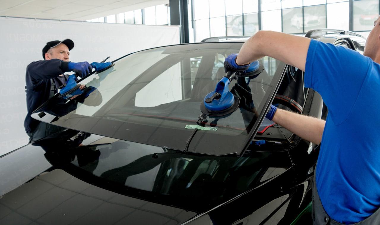 Car Windscreen Repair Replacement Service In Dubai Apex Auto Garage